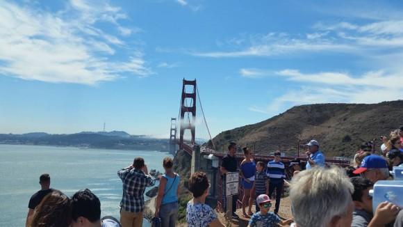 PHOTO: Tour at the Golden Gate Bridge.