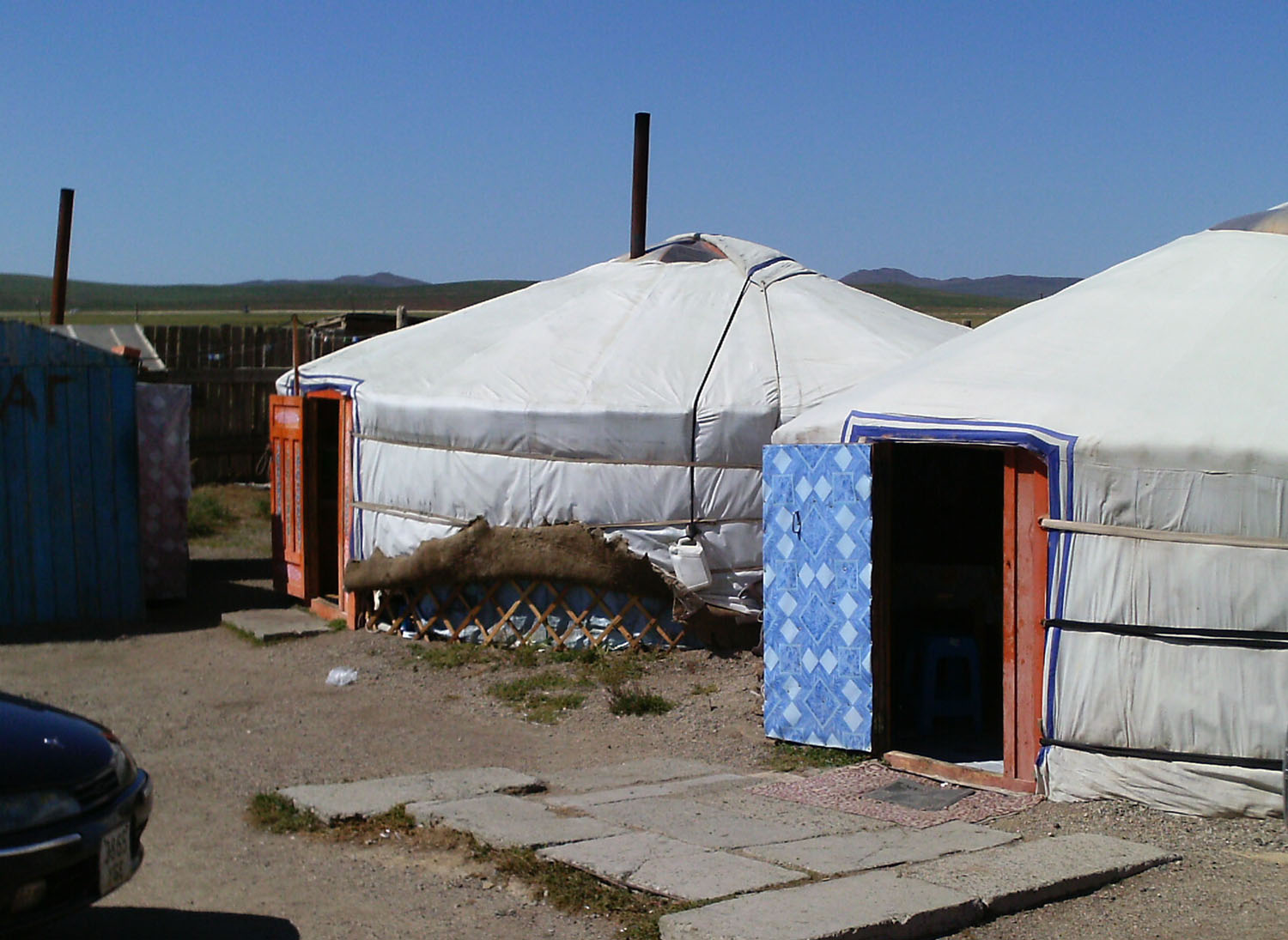 Fossil hunting in mongolia my chicago botanic garden for Semi permanent tent