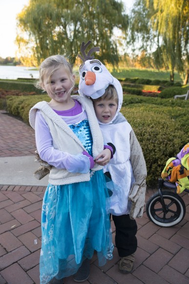 PHOTO: Elsa and Olaf know the place to trick-or-treat is Hallowfest!