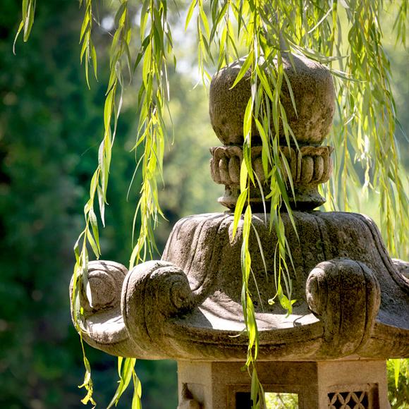 evening outdoor entertaining - sculpture